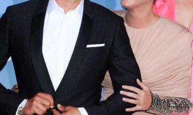 Αυτό είναι το διάσημο ζευγάρι που σχεδιάζει τον γάμο του
