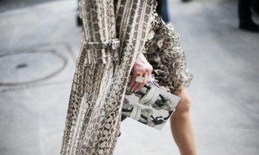 Snake prints: Πώς θα τα εντάξεις στο καθημερινό σου στιλ κομψά