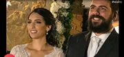 Ελένη: Κρατά την μπομπονιέρα και αποκαλύπτει λεπτομέρειες από τον γάμο γνωστού ζευγαριού