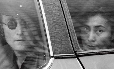 Εθισμός, πόλεμος, δόξα: Ο αλεξίσφαιρος έρωτας των Τζoν Λένον και Γιόκο Όνο στην οθόνη