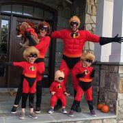 Ποια είναι η τραγουδίστρια που γιόρτασε το Halloween με την οικογένειά της;