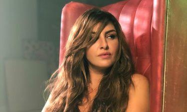 Έλενα Παπαρίζου: Δείτε το χιουμοριστικό backstage βίντεο από τα γυρίσματα του «Κάτι Σκοτεινό»