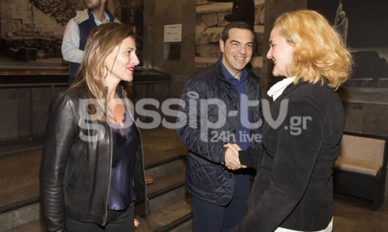 Θεατρική βραδιά για τον Αλέξη Τσίπρα και την Μπέτυ Μπαζιάνα