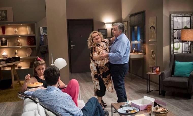 Κάνε γονείς να δεις καλό: Ο Κώστας προτείνει στην Αλέκα να πάνε σε δικηγόρο για το διαζύγιο