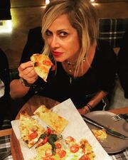 Άννα Βίσση: Έσπασε τη δίαιτά της με... πίτσα!