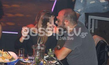 Ποια κρίση; Το ζευγάρι είναι full in love!