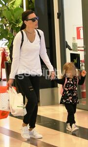 Σίσσυ Φειδά – Γιώργος Ανδρίτσος: Με την κόρη τους για ψώνια!