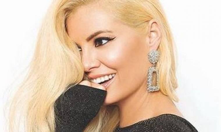 Μαρία Κορινθίου: «Κοιτιόμουν στον καθρέφτη σοκαρισμένη και δεν ήξερα πώς να νιώσω»