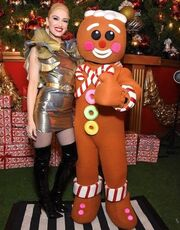 Η Jessie J. με δημιουργία Celia Kritharioti Couture στο εξώφυλλο του χριστουγεννιάτικου άλμπουμ της