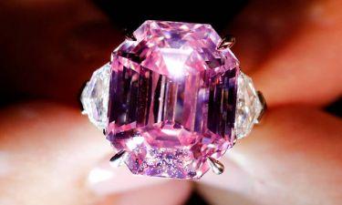 Pink Legacy: 44,3 εκατ. ευρώ για το ροζ διαμάντι των ρεκόρ