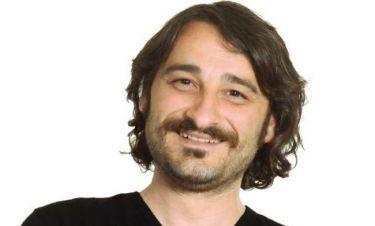 Βασίλης Χαραλαμπόπουλος: «Εχουμε ξεχάσει να αισθανόμαστε, να βιώνουμε κάτι ρομαντικό επειδή… »