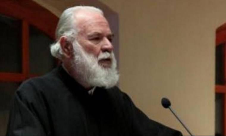π. Γεωργίος Μεταλληνός: «Πέφτω στα πόδια και παρακαλώ τον Μακαριώτατο να ανακρούσει πρύμναν…»