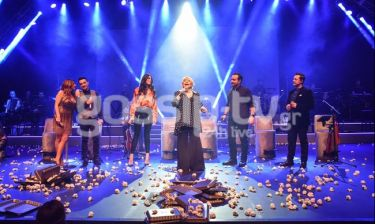 «Η Μουσική είναι ζωή»: Αποθεώθηκε η Μαρινέλλα - Ποιοι έδωσαν το παρών στη λαμπερή πρεμιέρα;