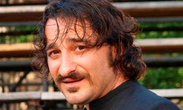 Βασίλης Χαραλαμπόπουλος: «Οι μεγάλοι ρόλοι με γεμίζουν αφάνταστα την ώρα που τους παίζω»