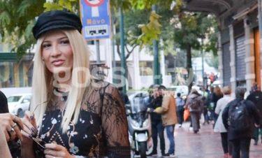Φαίη Σκορδά: Την «τσακώσαμε» στο Σύνταγμα (photos)