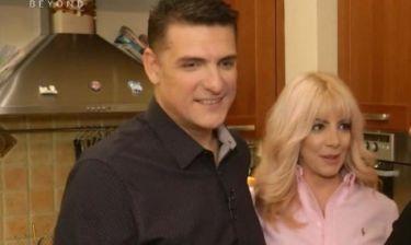 Ο Χρίστος Αντωνιάδης με τη σύζυγό του μας «ξενάγησαν» στο σπίτι τους