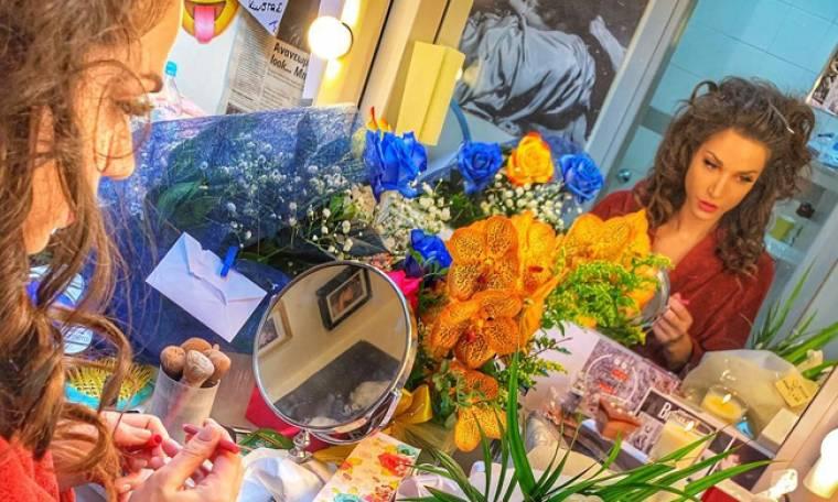 Κατερίνα Γερονικολού: Ένα καμαρίνι γεμάτο από λουλούδια για τη γιορτή της