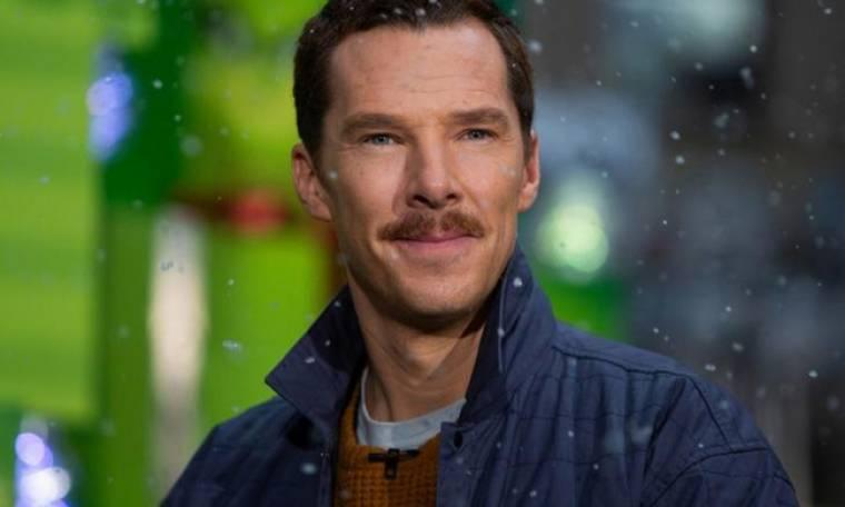 Acting class: Ο Benedict Cumberbatch μας μαθαίνει πώς να αντιδρούμε σε χάλια δώρα