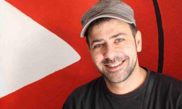 Πέτρος Μπουσουλόπουλος: Εγκατέλειψε την Αθήνα – Δείτε πού βρίσκεται και τι κάνει σήμερα (video)
