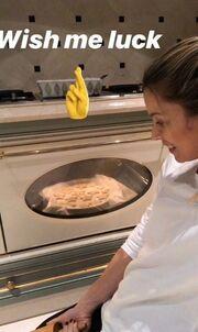 Η Μαριέττα Χρουσαλά μπήκε στην κουζίνα κι ετοίμασε λιχουδιές για τα παιδιά της!