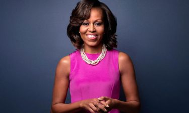 Μισέλ Ομπάμα: Ρεκόρ πωλήσεων η αυτοβιογραφία της
