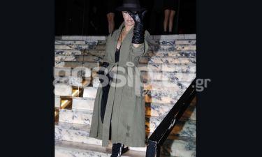 Η Νατάσα Καλογρίδη  a la επιθεωρητής Κλουζώ σε βραδινή της έξοδο