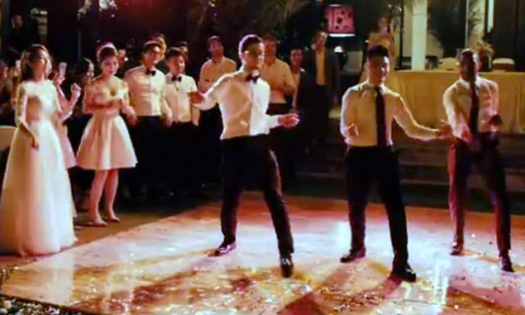 Αυτόν τον χορό με νύφη και γαμπρό, δεν τον έχετε ξαναδεί! (vid)