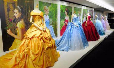 Εταιρεία λανσάρει ως νυφικά τα φορέματα των πριγκιπισσών της Disney και το αποτέλεσμα μαγεύει