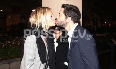 Άννα Βίσση - Χρύσανθος Πανάς: Το τρυφερό φιλί στο στόμα!