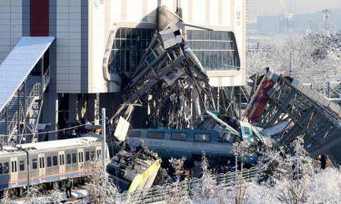 Τραγωδία στην Τουρκία: Πολλοί νεκροί και τραυματίες σε σύγκρουση τρένων (pics&vid)