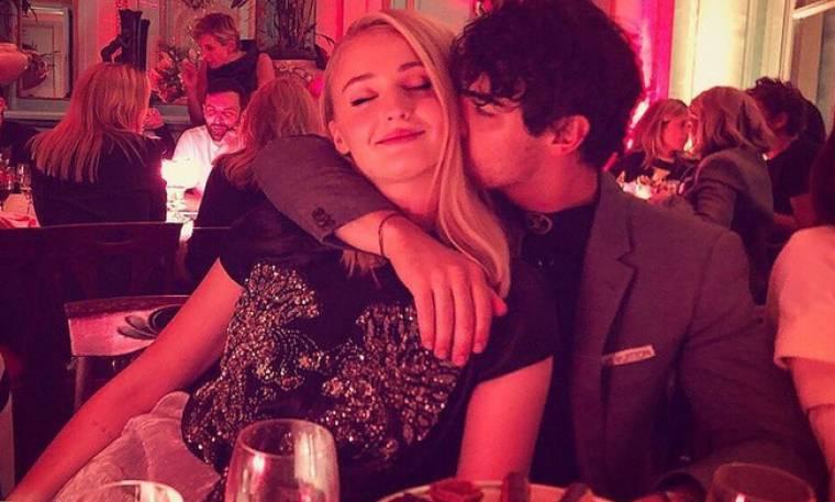 Wow: O Joe Jonas μόλις ανέβασε την πιο σέξι φωτογραφία της Sophie Turner