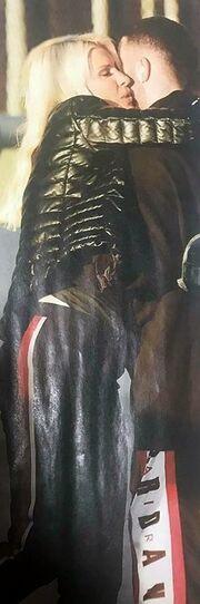 Ελένη Μενεγάκη: Η τρυφερή αγκαλιά στον γιο της (pics)