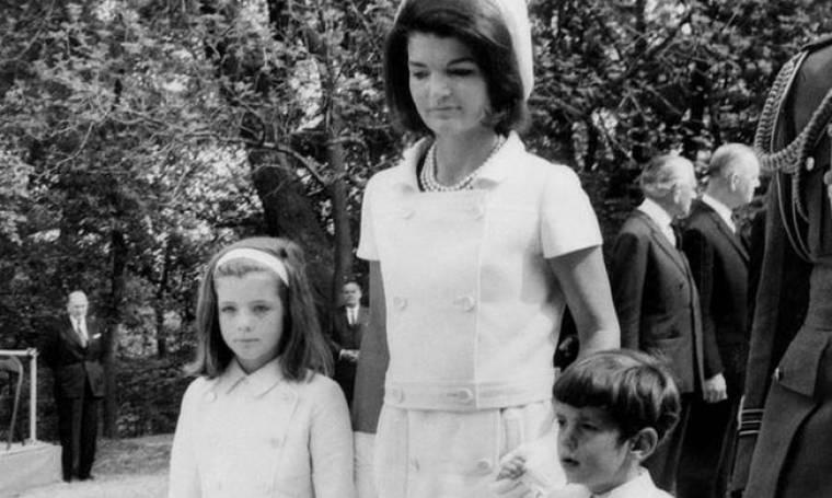 Μπαρντό, Νιούμαν, Νίκολσον και... Κένεντι σε ένα ιστορικό φωτογραφικό άλμπουμ