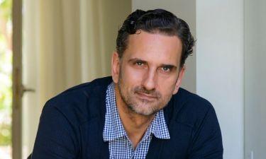 Νίκος Ψαρράς: Μιλά για τον ρόλο στη «Γυναίκα χωρίς όνομα» και αποκαλύπτει πώς προέκυψε η συνεργασία