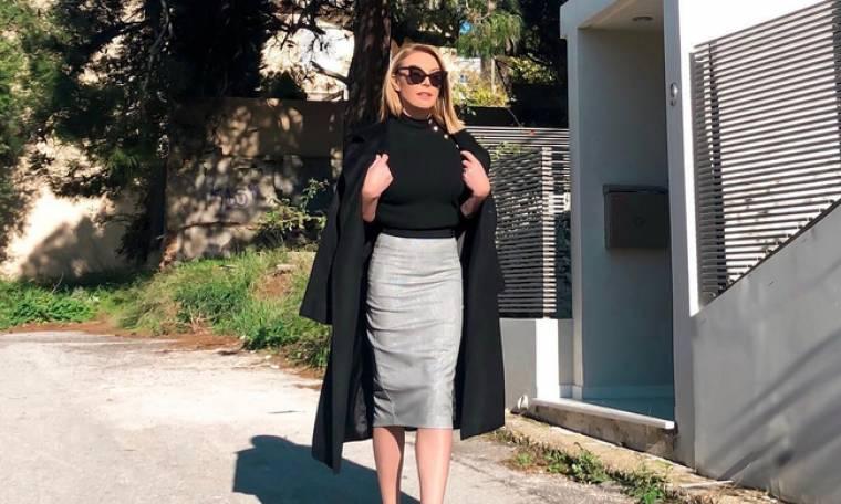 Τατιάνα Στεφανίδου: Χαλαρές στιγμές για την παρουσιάστρια - Απολαμβάνει τον καφέ της στο καμαρίνι!