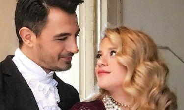 Θεωνά-Αναστασιάδης: Περιμένοντας τον  πρίγκιπά τους