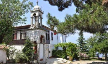 Το εκπληκτικό μοναστήρι του Αη Γιώργη όπου προσεύχονται Έλληνες και Τούρκοι!