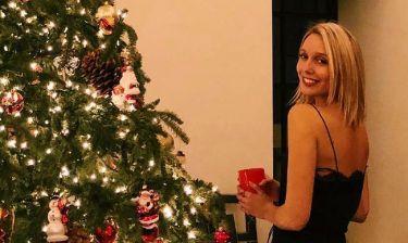 Μαρία-Ολυμπία: Ποζάρει δίπλα στο εντυπωσιακό βασιλικό χριστουγεννιάτικο δέντρο!