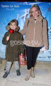 Λίνα Σακκά: Σπάνια έξοδος με τον γιο της! Δείτε πού την εντοπίσαμε!