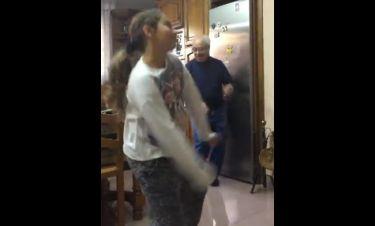 Η εγγονή χορεύει υπέροχα αλλά κλέβει την παράσταση ο παππούς! (vid)