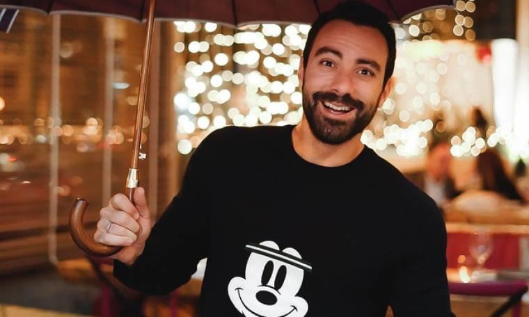 Σάκης Τανιμανίδης: Δείτε τον στην κουζίνα να μαγειρεύει με τη μητέρα του