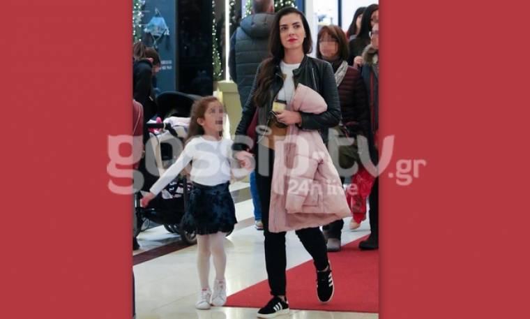 Φωτεινή Δάρρα: Χριστουγεννιάτικες αγορές με την κόρη της