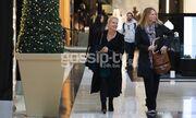 Χριστουγεννιάτικη βόλτα για τη Μπεκατώρου- Δείτε με ποια συναντήθηκε (pics)