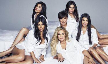 Η χριστουγεννιάτικη κάρτα των Kardashian έχει απώλειες (pic)