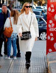 Στέλλα Δημητρίου: Στη Γλυφάδα για ψώνια με κομψή εμφάνιση