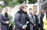 Μαριάννα Τόλη: Συντετριμμένος ο γιος της στην κηδεία