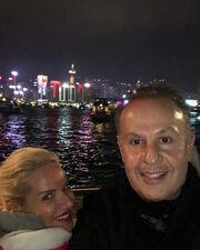 Μαρία Μπεκατώρου: Έκανε Πρωτοχρονιά στο Χόνκγ Κονγκ με τον σύζυγό της (φωτό)