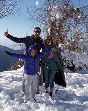 Νίκη Κάρτσωνα: Ποζάρει με την οικογένειά της στα χιόνια!