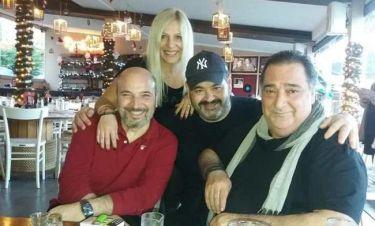 Ζωιδάκης: Ο Καρράς και οι ηθοποιοί της παράστασης «Η Νεράιδα και το Παλικάρι» διασκέδασαν μαζί του