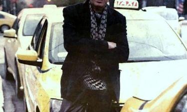 Πασίγνωστος λαϊκός τραγουδιστής έγινε ταξιτζής και δηλώνει: «Τελείωσε η δόξα. Η κρίση με γονάτισε»